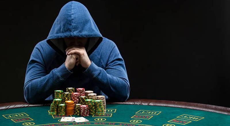 Bagaimana Pemula Harus Bermain Melawan Pemain Pro